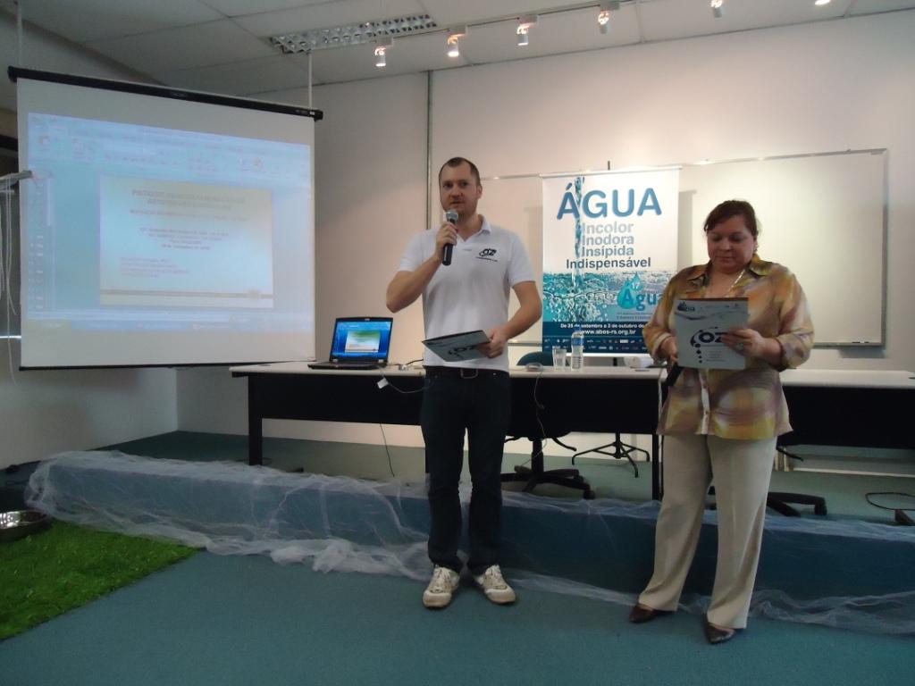 Fábio Rahmeier - Diretor OZ Engenharia e Ana Cruzat - Assessora SEMA